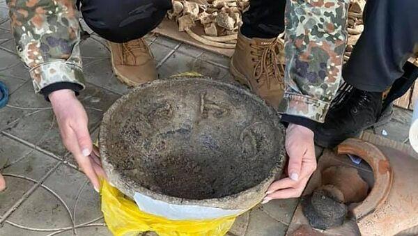 Una ciotola di ceramica del V secolo d.C. è stata trovata nel sud di Russia - Sputnik Italia