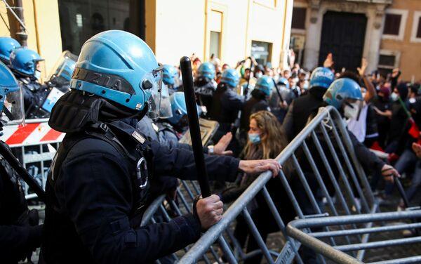 Manifestazioni a Roma - Sputnik Italia