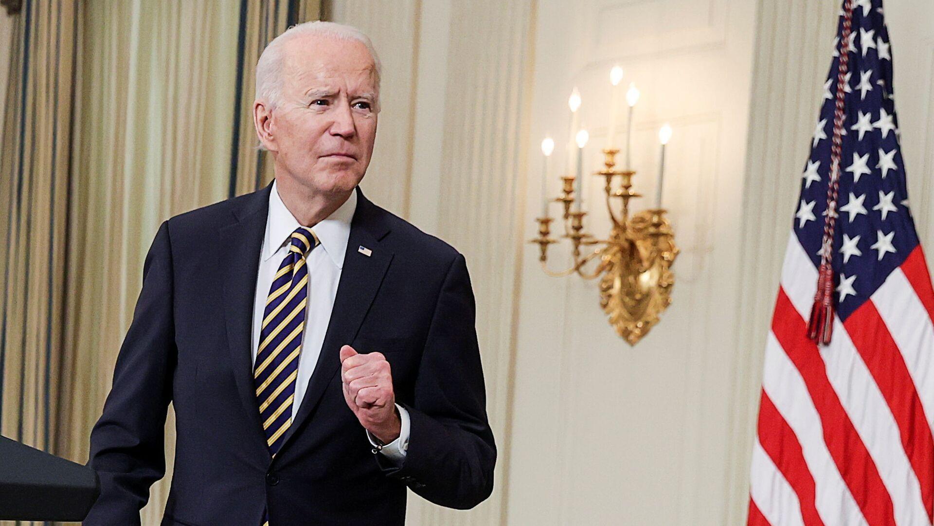 Joe Biden alla Casa Bianca il giorno della firma dell'ordine esecutivo sul muro del Messico - Sputnik Italia, 1920, 10.06.2021