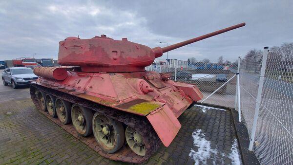 Il carro armato rosa in Repubblica Ceca  - Sputnik Italia