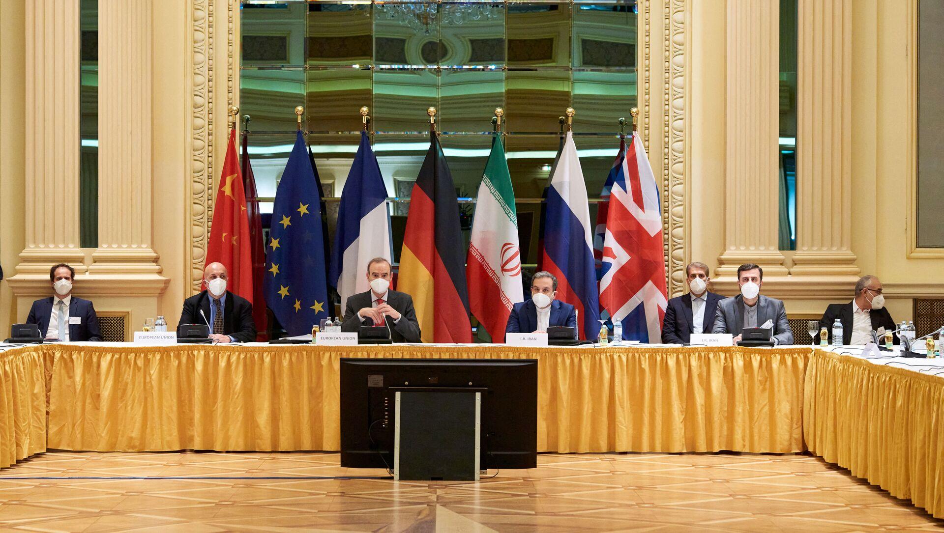 La delegazione di diplomatici a Vienna per le trattative sul PACG - Sputnik Italia, 1920, 08.04.2021