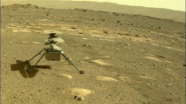 Вертолет Ingenuity на Марсе - Sputnik Italia