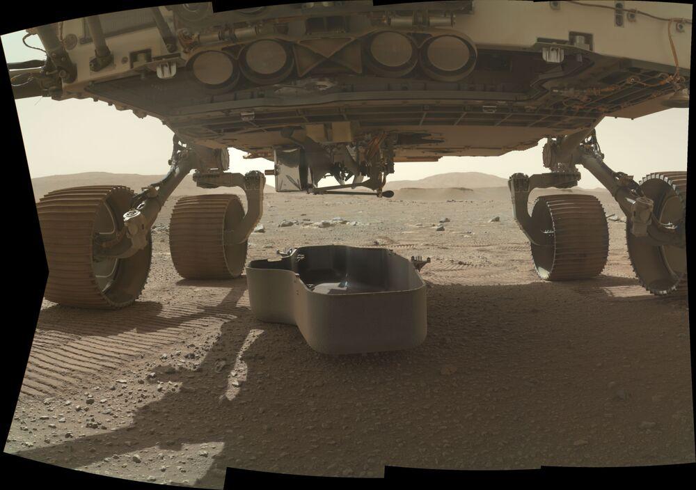 Il 19 febbraio, il rover Perseverance della NASA è atterrato su Marte vicino al cratere Jezero alla ricerca di tracce di vita nel lontano passato di Marte