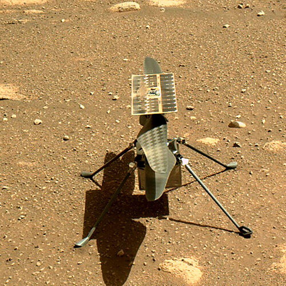 Uno scatto impressionante quello inviato dal suolo di Marte dal rover Perseverance, atterrato pochi giorni fa sul Pianeta Rosso