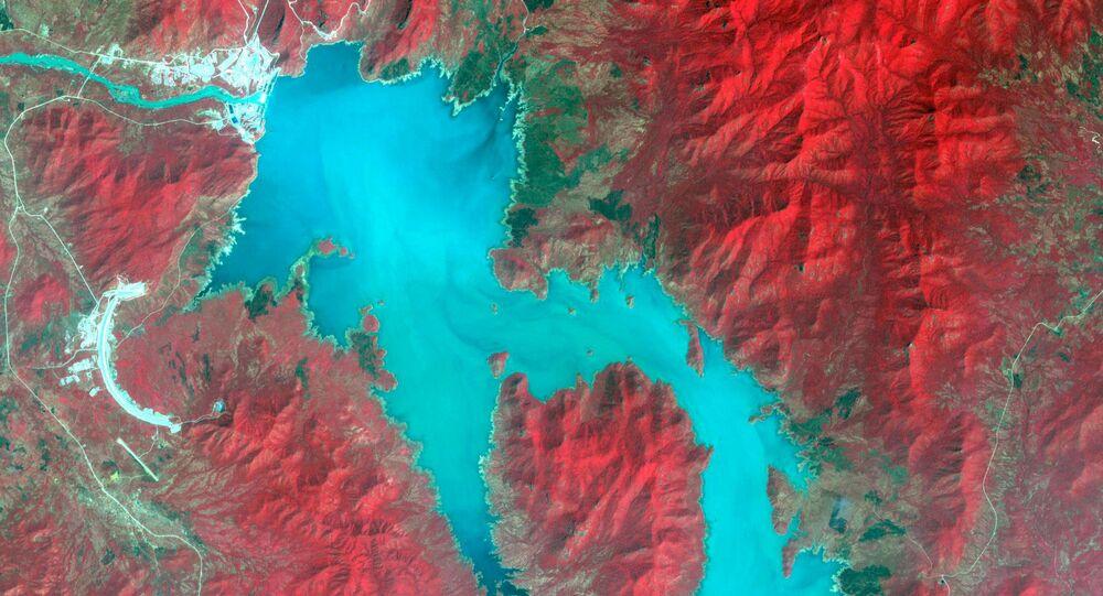 Il fiume Nilo durante il riempimento della Grande Diga del Millennio in Etiopia, immagine spettrale