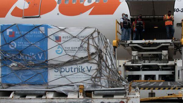 Carico di vaccini Sputnik V destinato all'Estero - Sputnik Italia