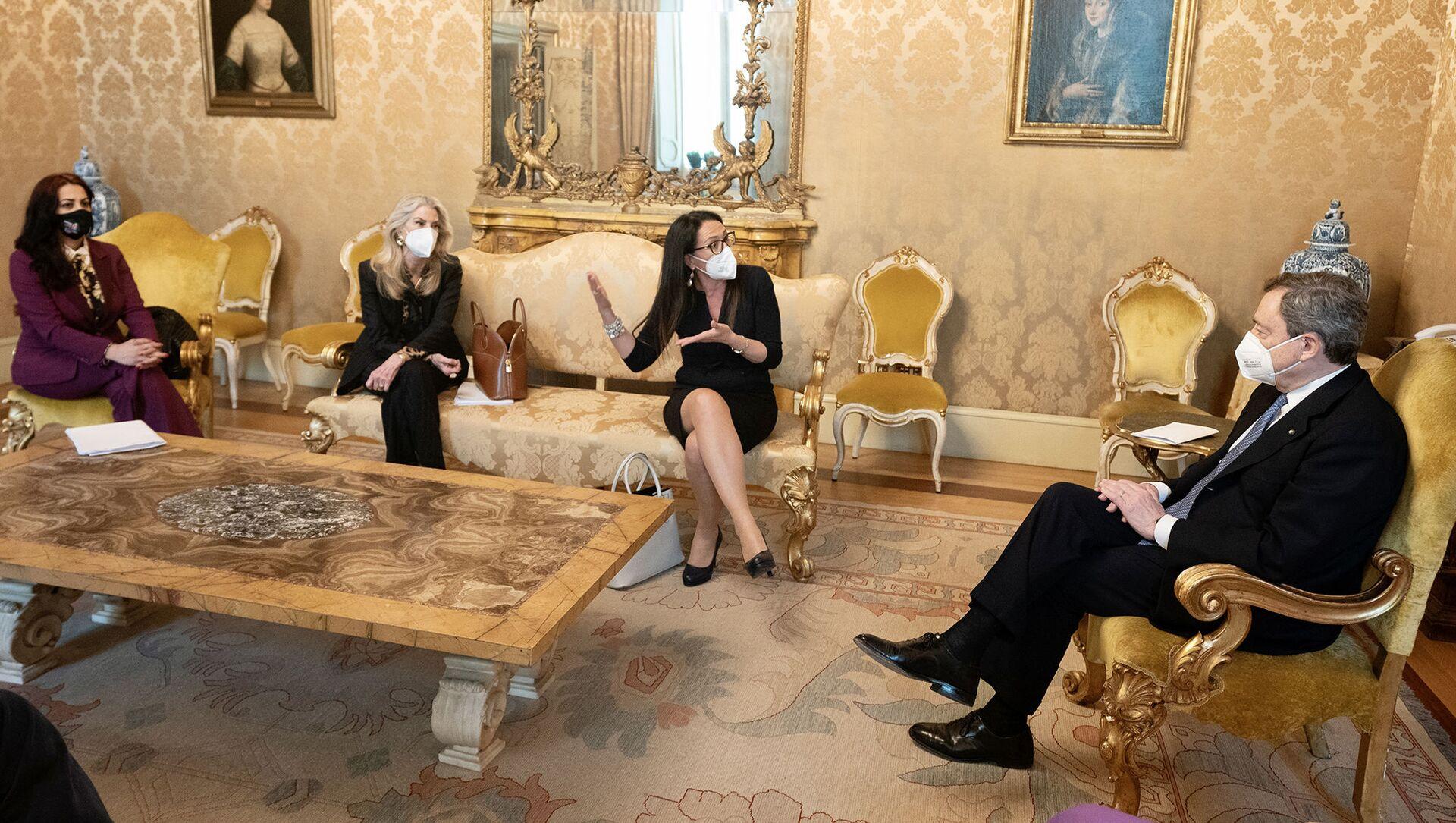 08/03/2021 - Il Presidente del Consiglio, Mario Draghi, ha incontrato una delegazione della Commissione parlamentare di inchiesta sul femminicidio e la violenza di genere, presieduta dalla senatrice Valeria Valente.  - Sputnik Italia, 1920, 18.05.2021