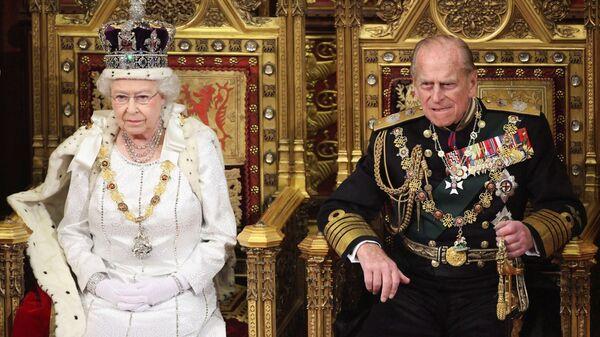 La regina Elisabetta e il principe Filippo - Sputnik Italia