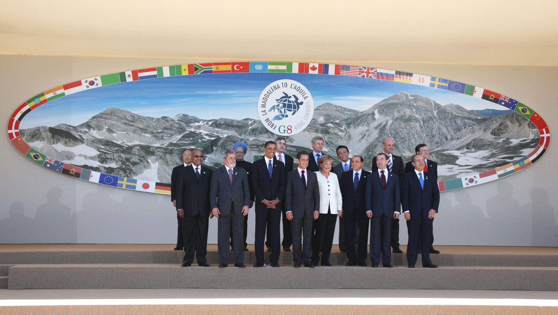 Foto dei leader al G8 dell'Aquila del 2009 - Sputnik Italia, 1920, 18.05.2021