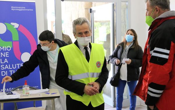Accoglienza all' Ospedale di Stato. Franco Ugolini, ex Regente - Sputnik Italia