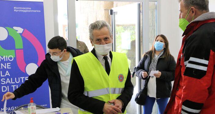 Accoglienza all' Ospedale di Stato. Franco Ugolini, ex Regente