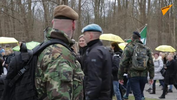 In Olanda le proteste contro le misure anti-contagio di Polizia per la libertà - Sputnik Italia