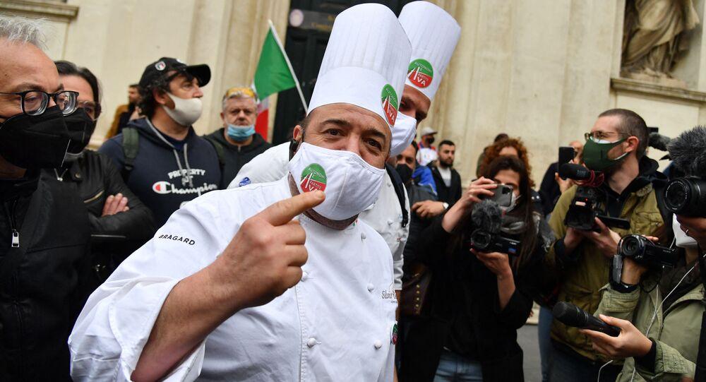 IoApro, la manifestazione non autorizzata a Roma