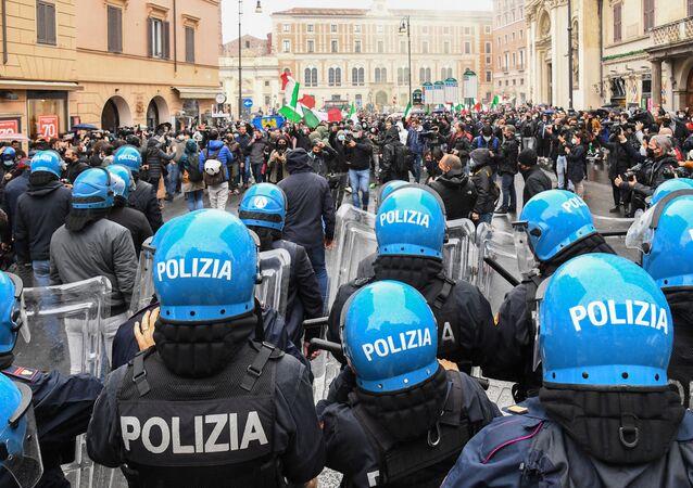 La manifestazione a Roma, il 12 aprile del 2021