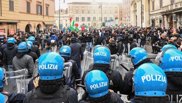La manifestazione a Roma, il 12 aprile del 2021 - Sputnik Italia