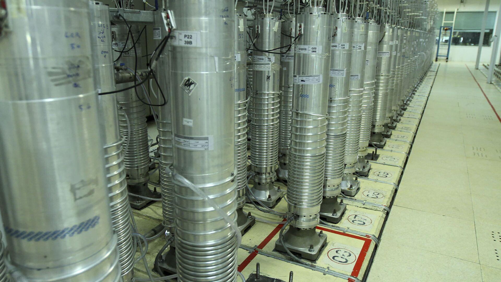 Macchine centrifughe nell'impianto di arricchimento di uranio di Natanz - Sputnik Italia, 1920, 14.07.2021