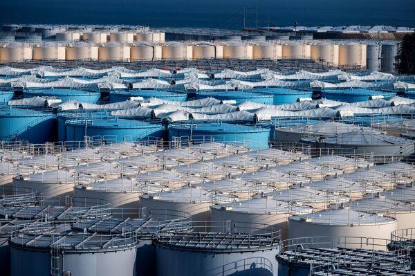 Il piano ha il sostegno dell'Agenzia internazionale per l'energia atomica IAEA, che ha confermato che il rilascio è simile allo smaltimento delle acque reflue in altri impianti in tutto il mondo - Sputnik Italia