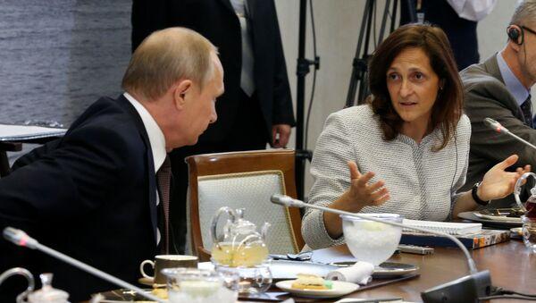 Putin e Alessandra Galloni - Sputnik Italia
