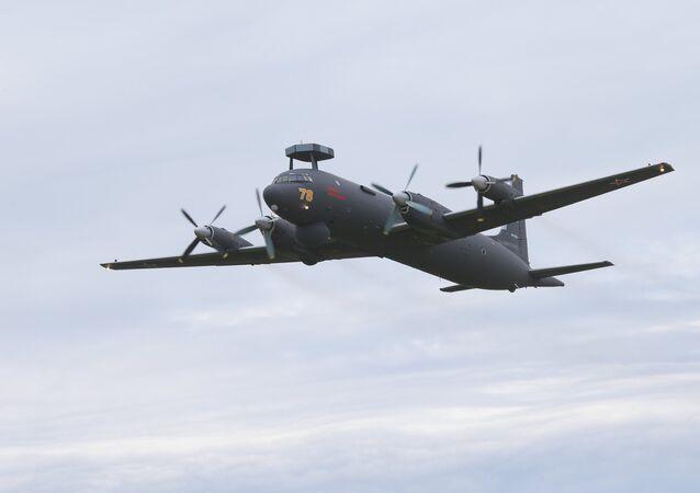 Aereo antisommergibile russo Il-38 (foto d'archivio)