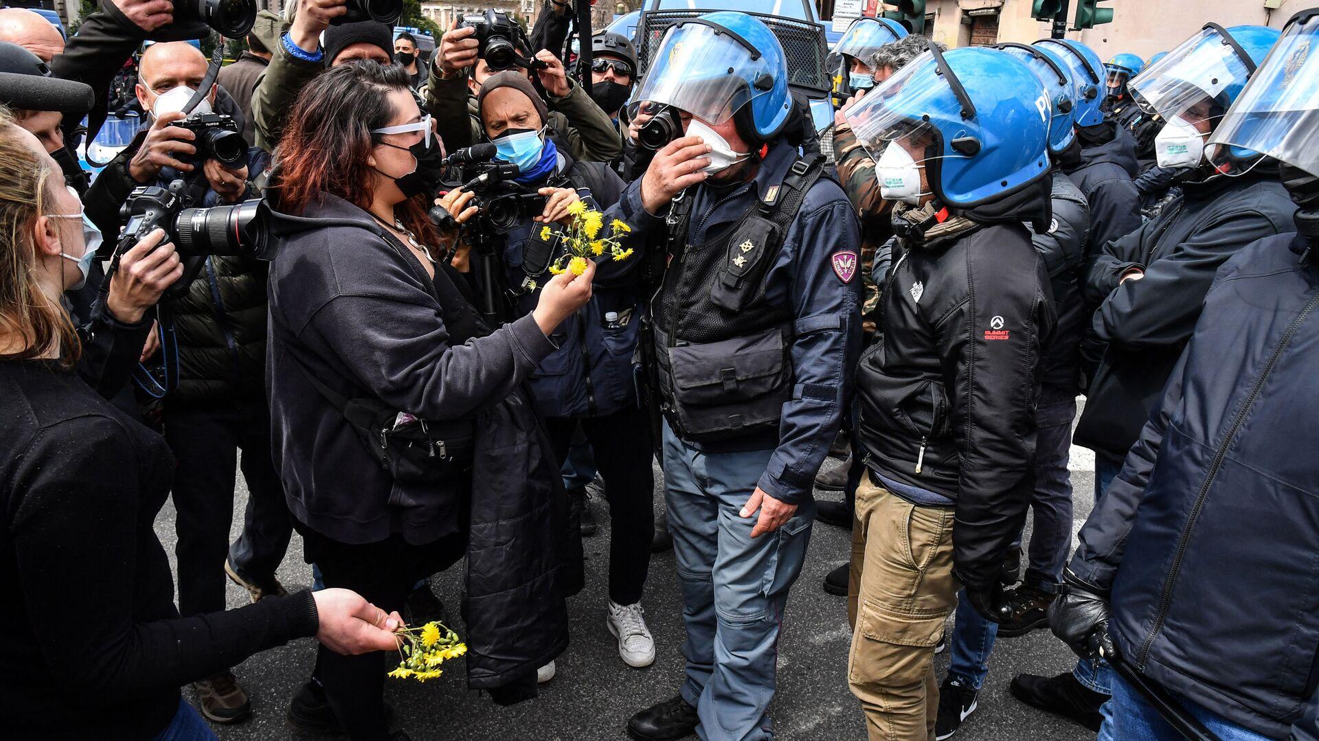 Proteste dei ristoratori a Roma, 13 aprile 2021 - Sputnik Italia, 1920, 08.07.2021