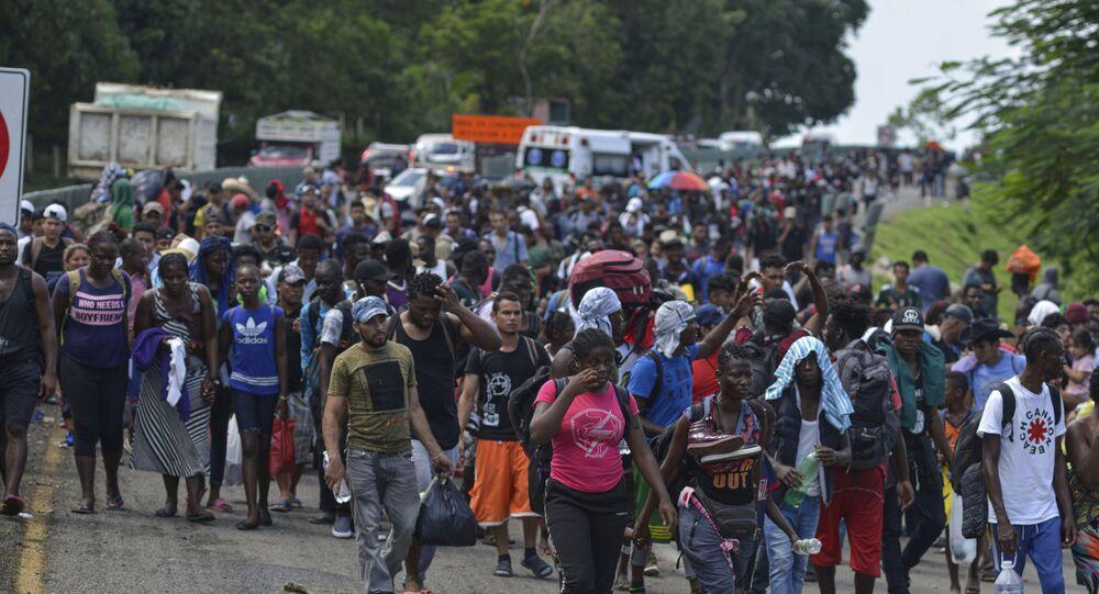 Migranti in prossimità del confine Usa-Messico