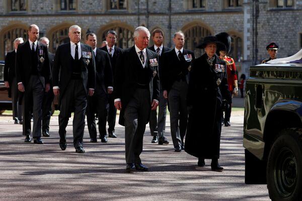 I membri della famiglia reale al funerale - Sputnik Italia