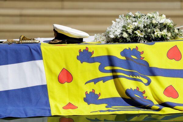 Il carro funebre con la bara del principe Filippo al Castello di Windsor - Sputnik Italia