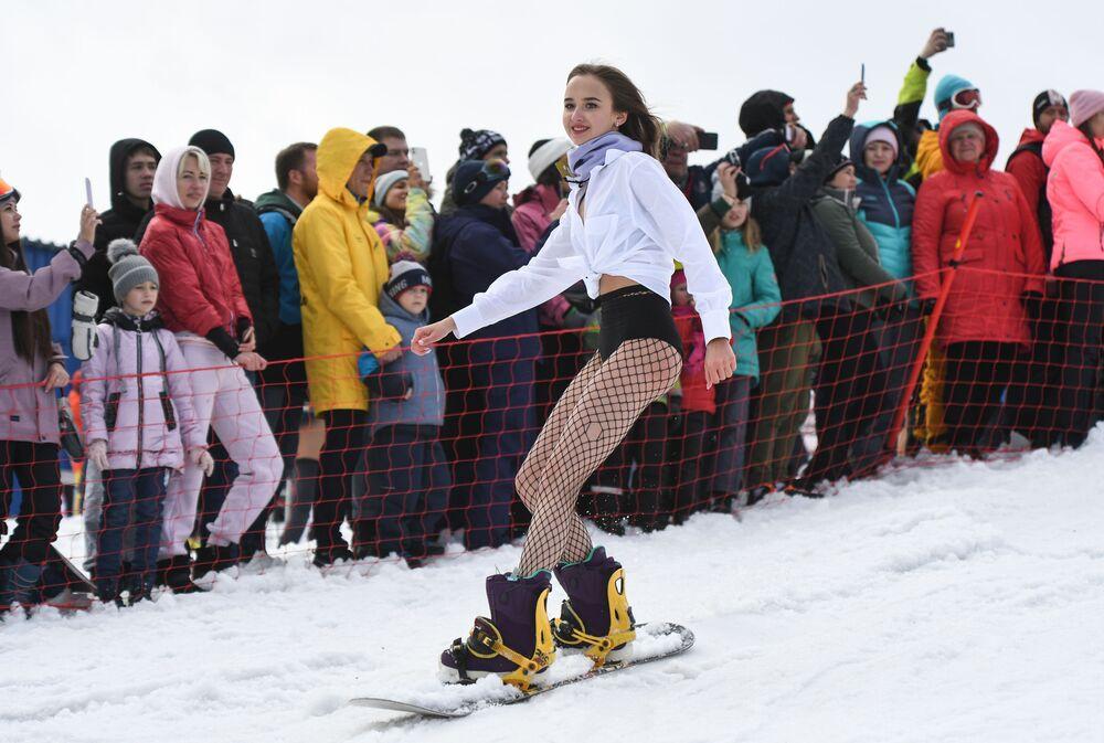 Nella stazione sciistica di Sheregesh si è tenuta la quinta edizione del festival Grelka Fest