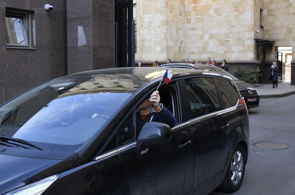 La portavoce del ministero degli Esteri Maria Zakharova ha anche sostenuto che l'intera storia che i funzionari di Praga continuano a sostenere sia legata alla cospirazione divulgata per l'organizzazione di un colpo di stato in Bielorussia