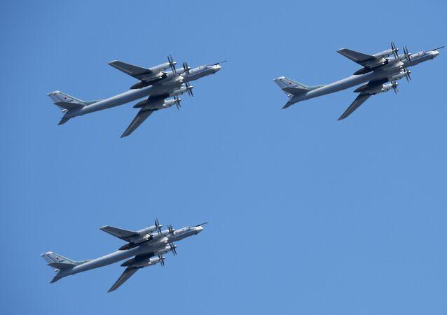 Bombardieri strategici missilistici Tu 95ms