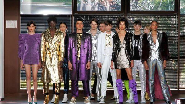 Mercedes-Benz Fashion Week Russia nel Sari Spazio di Milano - Sputnik Italia