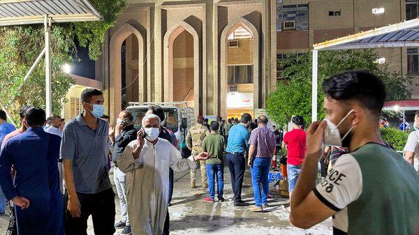 Incendio in un ospedale Covid in Iraq - Sputnik Italia
