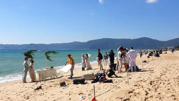 Matrimonio in spiaggia su un'isola cinese - Sputnik Italia