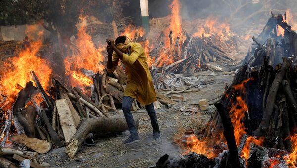 Le pire date alle fiamme a Nuova Delhi - Sputnik Italia