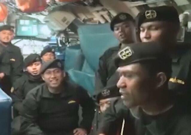 I marinai del sottomarino affondato