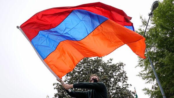 Armeni protestano davanti l'Ambasciata turca a Washington - Sputnik Italia