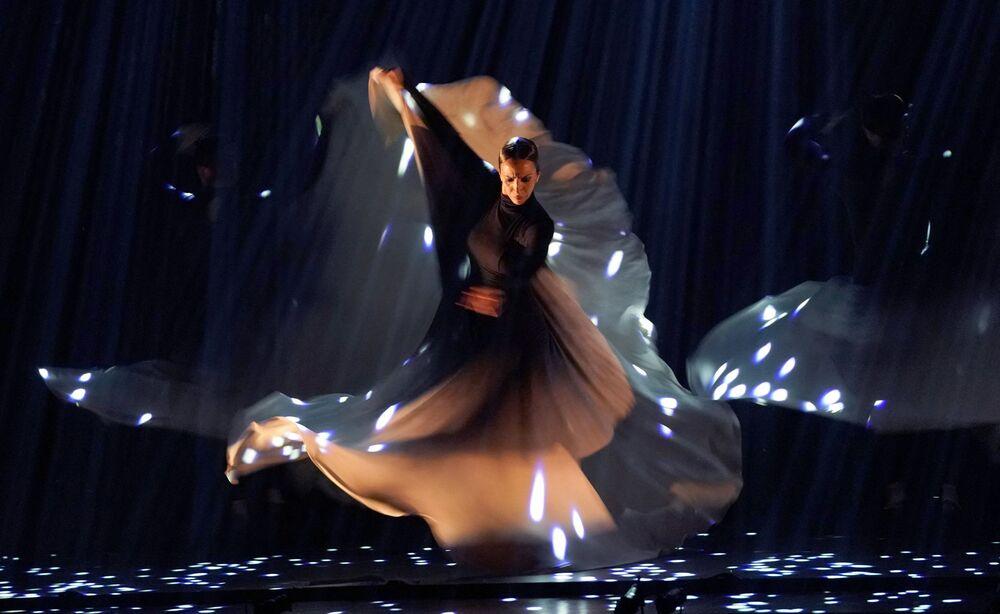 I ballerini di flamenco del Ballet Flamenco Sara Baras si esibiscono durante il festival di flamenco a New York, 2019