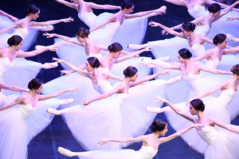 Corpo di ballo del Teatro alla Scala di Milano