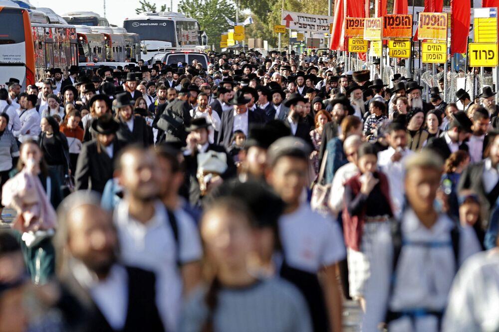 Il più grande raduno in Israele dall'inizio della pandemia Covid si è trasformato in un incubo