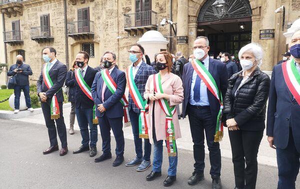 Sindaci al presidio dei lavoratori Blutec di Termini Imerese a Palermo - Sputnik Italia