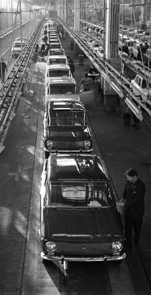 Sezione del Dipartimento di controllo tecnico (OTC) del trasportatore principale del VAZ, 1971
