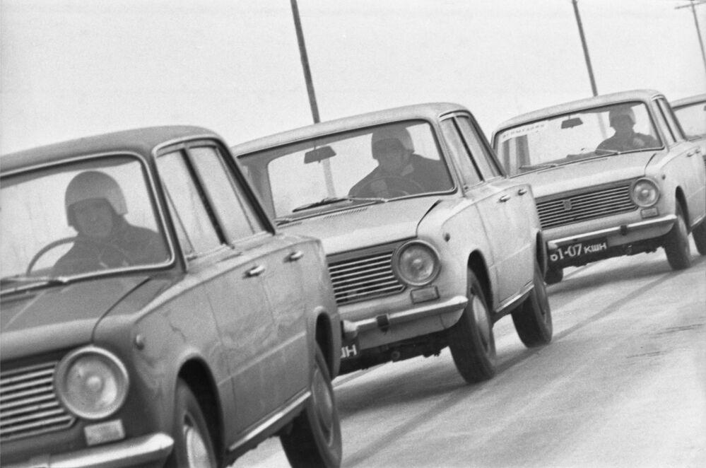 Le macchine sovietiche VAZ-2101 Zhiguli
