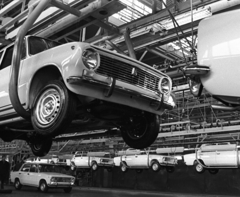 Il trasportatore principale dello stabilimento del VAZ, 1971