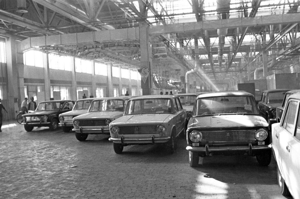 Le macchine dello stabilimento del VAZ, 1970
