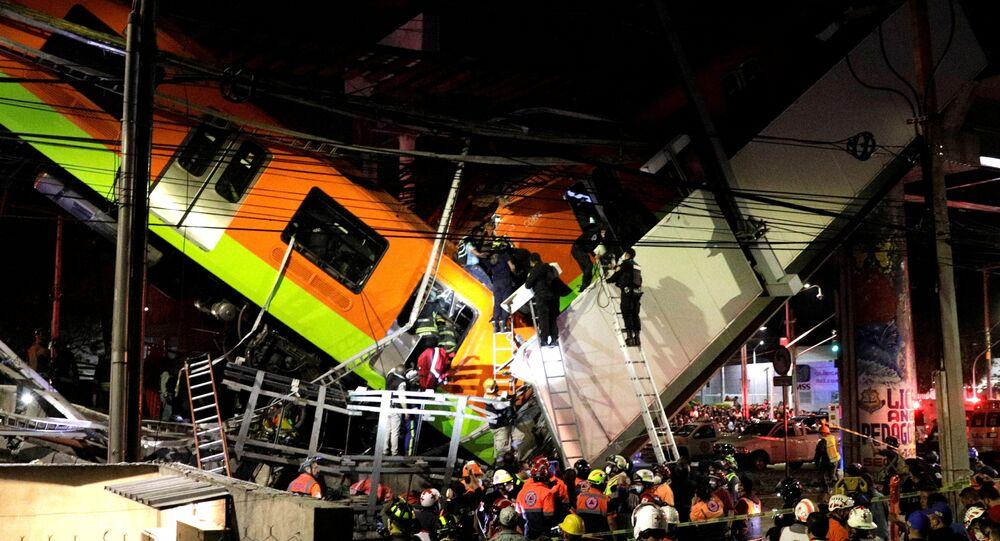 Il crollo del ponte sopraelevato della metropolitana a Città del Messico