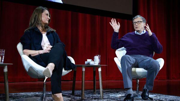 Bill e Melinda Gates partecipano ad una conferenza a New York - Sputnik Italia