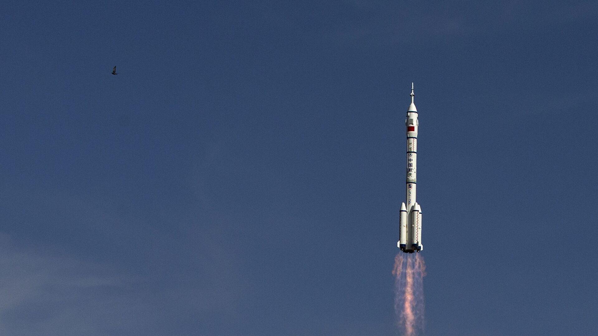 Старт ракеты-носителя Чанчжэн-2F c космодрома Цзюцюань, КНР. Архивное фото - Sputnik Italia, 1920, 16.06.2021