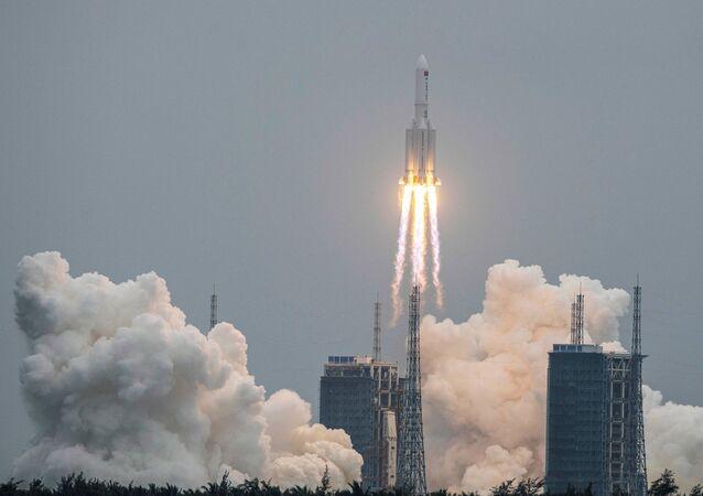 Lancio del razzo vettore cinese Changzheng 5
