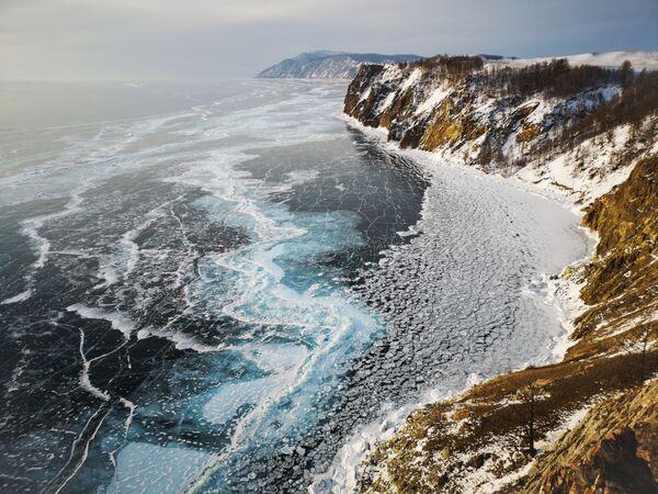 La foto Lago di Bajkal, del fotografo spagnolo Juan Zas Espinosa, vincitore nella categoria I paesaggi della decima edizione del concorso fotografico Mobile Photography Awards - Sputnik Italia