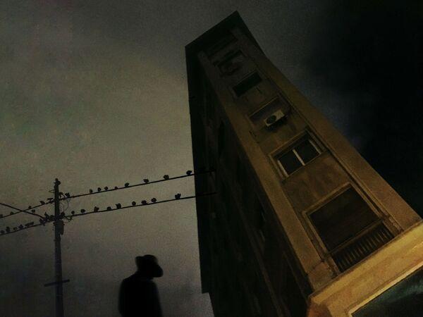 La foto La notte profonda, del fotografo greco George Koutsouvelis, vincitrice nella categoria Il buio|Noir della decima edizione del concorso fotografico Mobile Photography Awards - Sputnik Italia